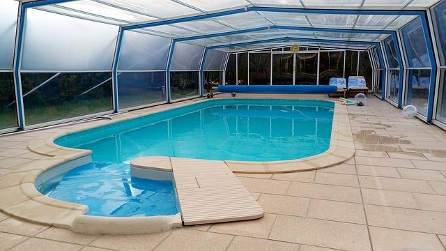 bazén a jeho přístřeší
