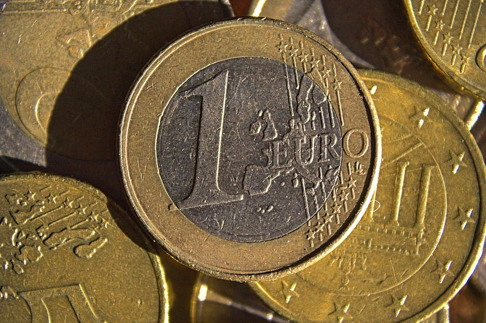 nějaká eura
